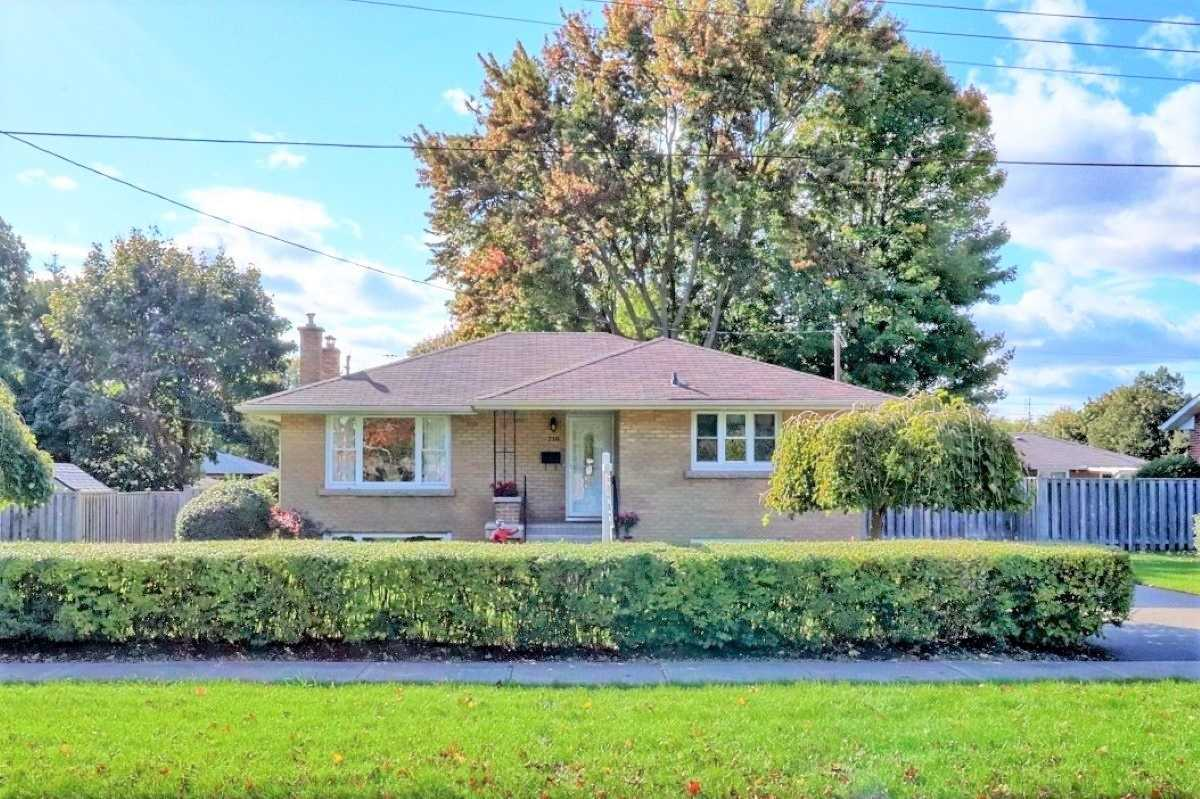 Detached house For Sale In Whitby - 716 Clarence Dr, Whitby, Ontario, Canada L1N1E5 , 3 Bedrooms Bedrooms, ,2 BathroomsBathrooms,Detached,For Sale,Clarence