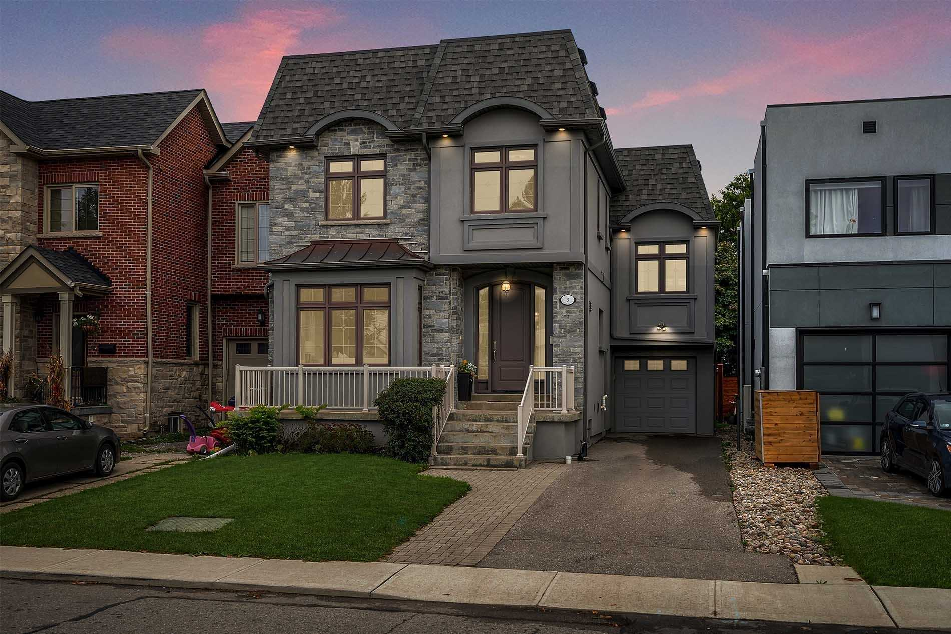 Detached house For Sale In Toronto - 3 Hunt Club Dr, Toronto, Ontario, Canada M1N2W6 , 4 Bedrooms Bedrooms, ,4 BathroomsBathrooms,Detached,For Sale,Hunt Club