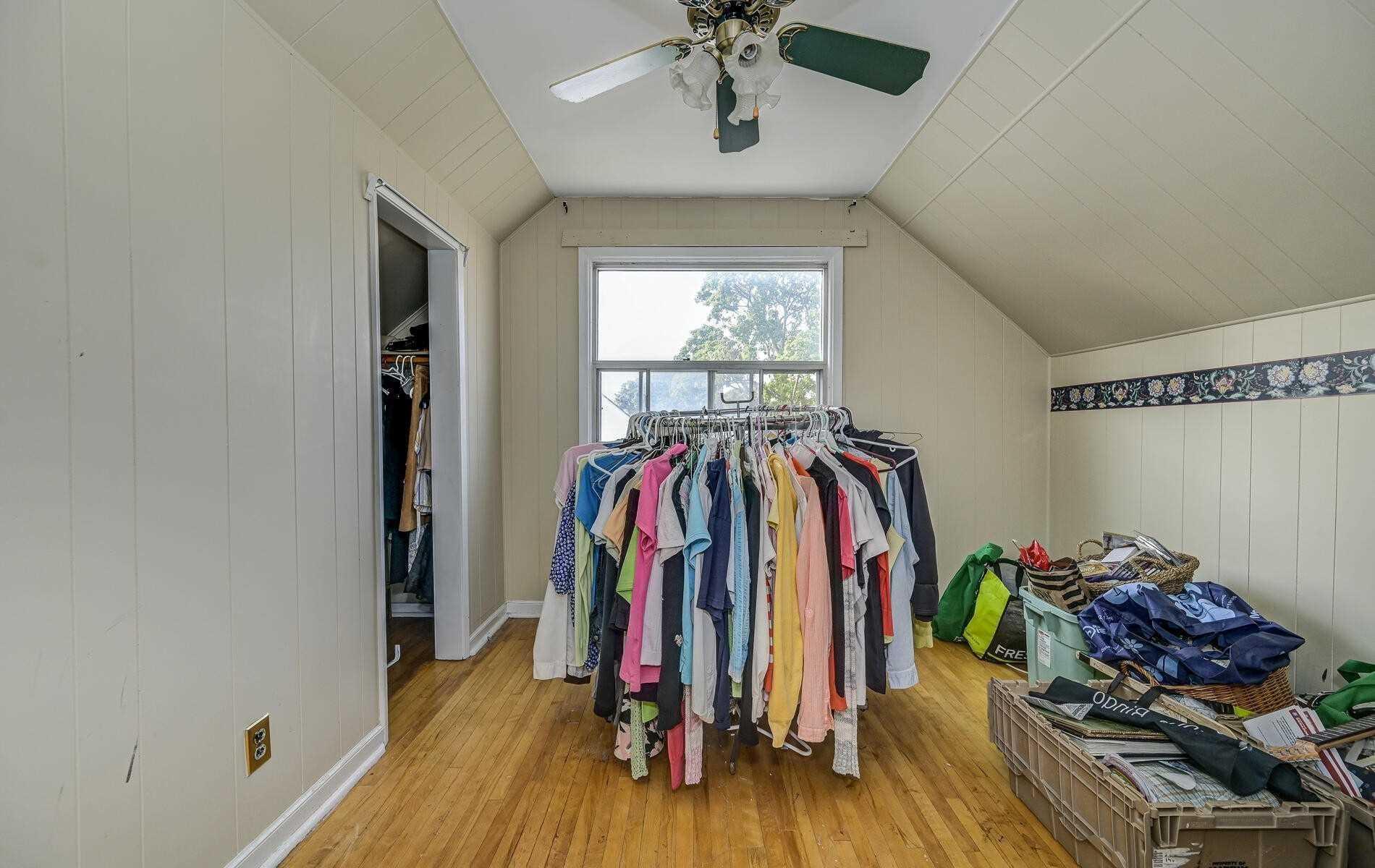 Detached house For Sale In AJAX - 76 Kings Cres, AJAX, Ontario, Canada L1S1R2 , 2 Bedrooms Bedrooms, ,1 BathroomBathrooms,Detached,For Sale,Kings