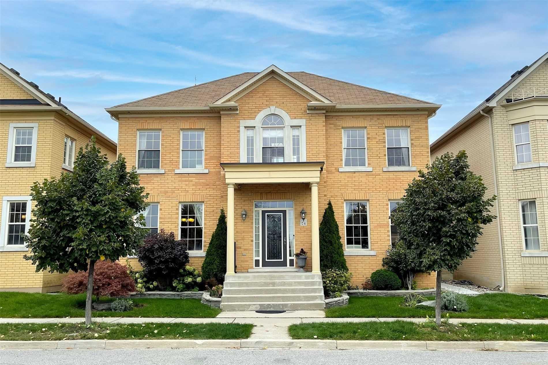 Detached house For Sale In Markham - 24 Bembridge Dr, Markham, Ontario, Canada L6C0J8 , 4 Bedrooms Bedrooms, ,5 BathroomsBathrooms,Detached,For Sale,Bembridge