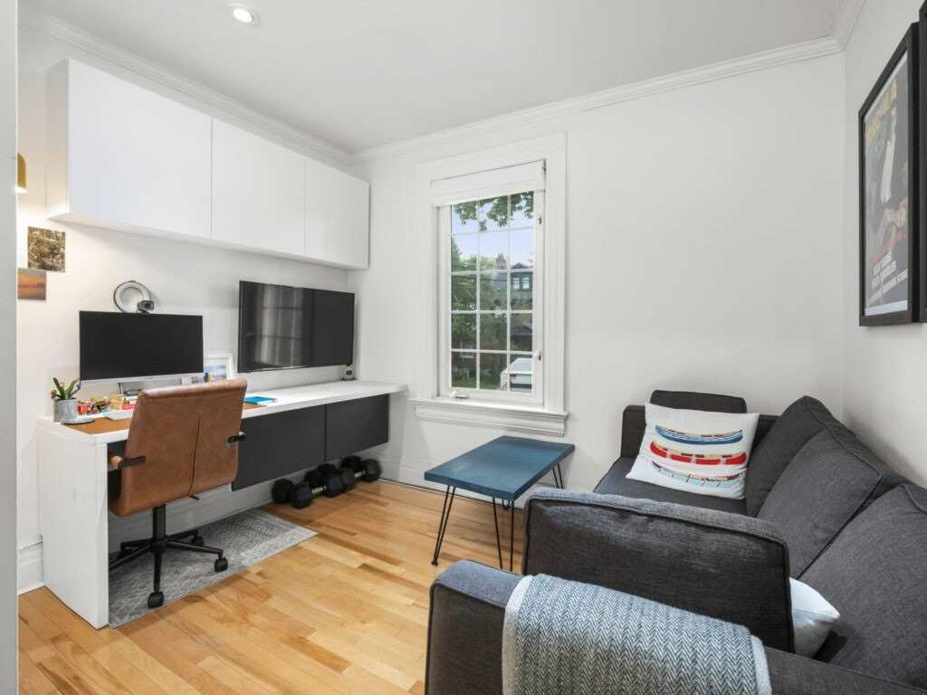 Detached house For Lease In Toronto - 116 Medland St, Toronto, Ontario, Canada M6P2N5 , 3 Bedrooms Bedrooms, ,2 BathroomsBathrooms,Detached,For Lease,C,Medland