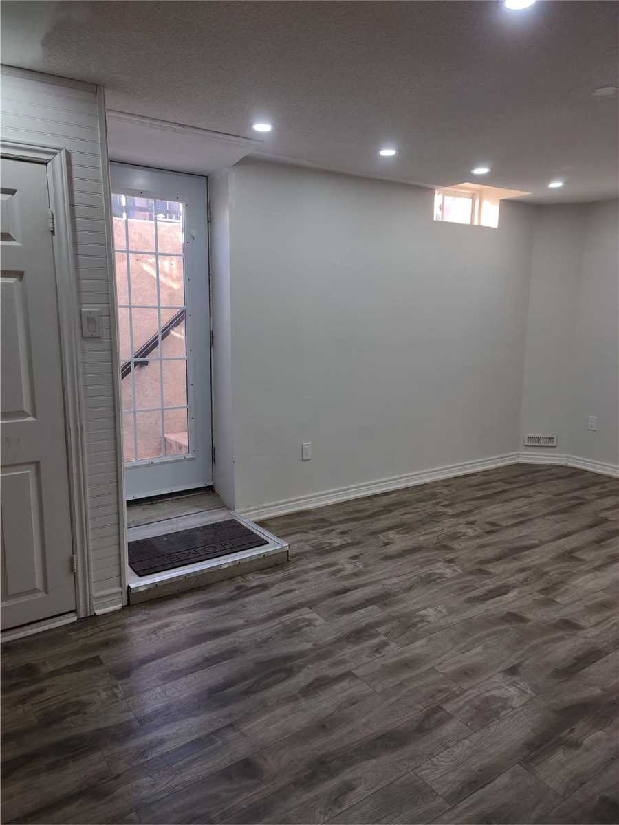 Lower Level For Lease In Brampton