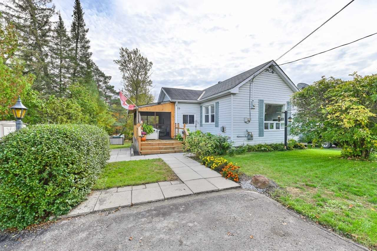 Detached house For Sale In Centre Hastings