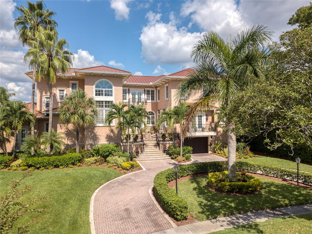 36 BAHAMA CIRCLE, TAMPA, Florida 33606, 4 Bedrooms Bedrooms, ,4 BathroomsBathrooms,Residential,For Sale,BAHAMA,MFRT3333602